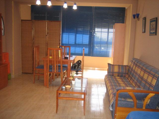 Ref6189 apartamento con cocina amueblada inmosabinal for Alquiler estudio almeria